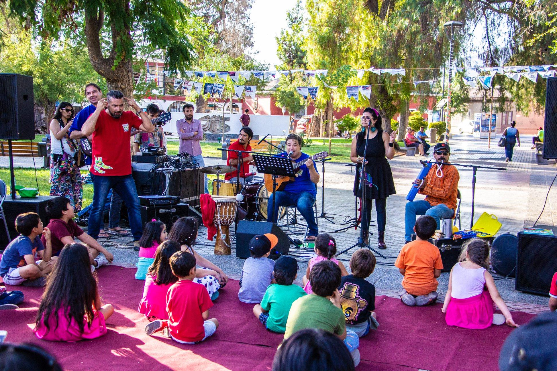 """Programa """"Plaza Cultural"""" anima las tardes veraniegas de Vicuña"""