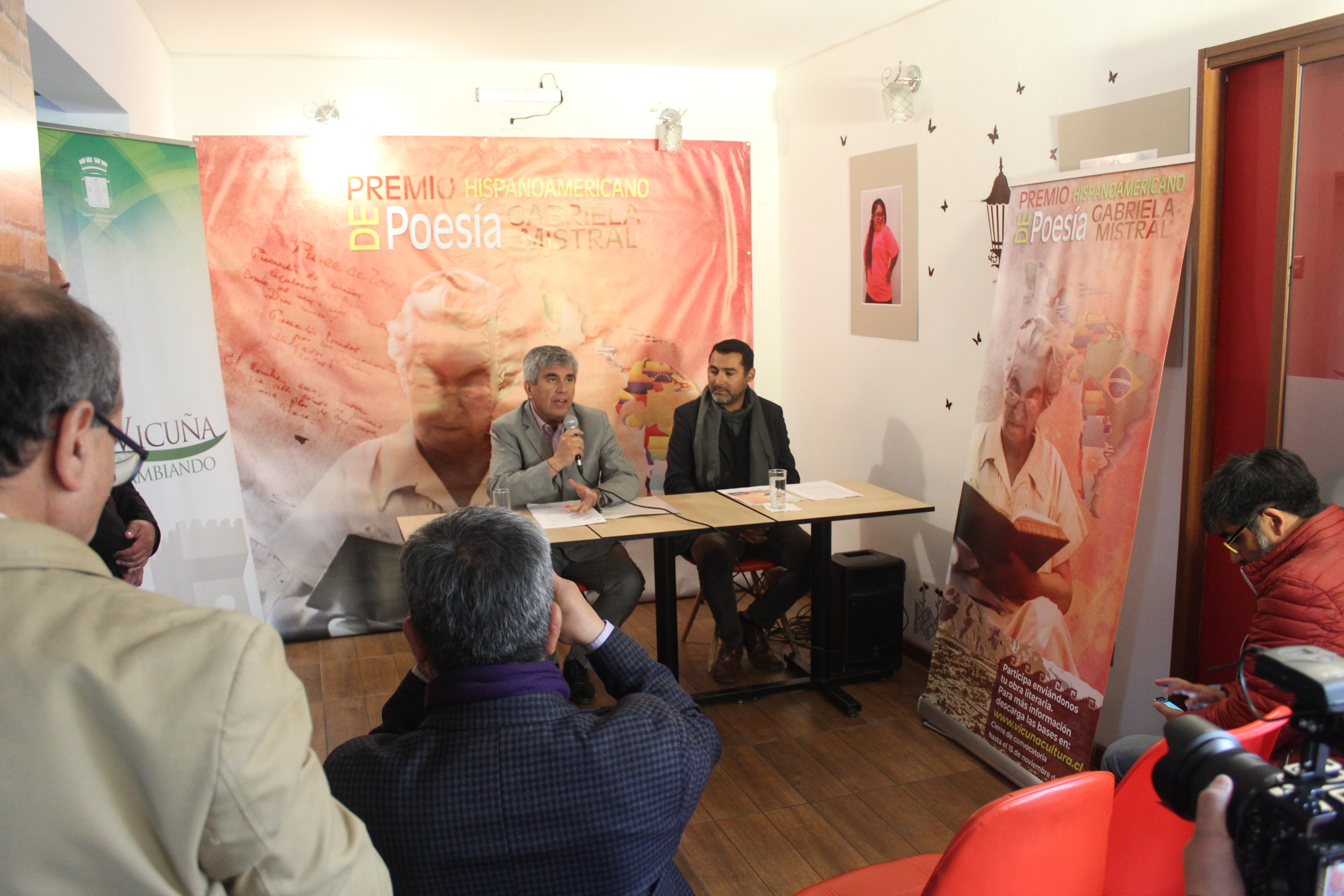 Más de 800 obras postularon al Premio Hispanoamericano de Poesía Gabriela Mistral